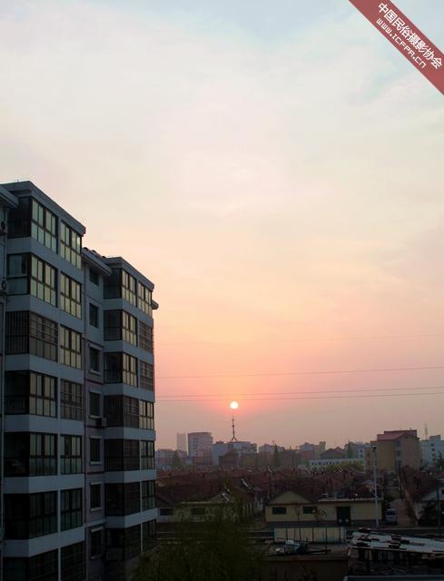 东方升起了红太阳